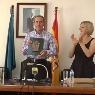 Un emocionado Luis Gondi pregona las fiestas de San Miguel de A Caridá (El Franco)