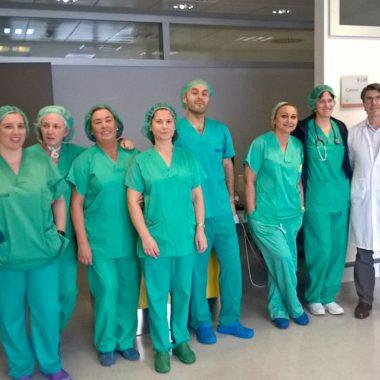 El HUCA, 2º hospital de España en implantar un neuroestimulador que se adapta a la estructura del cerebro para controlar los trastornos del movimiento