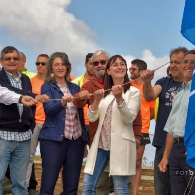 La Bandera Azul ondea en las playas Illas-Os Castros y As Catedrais (Ribadeo)