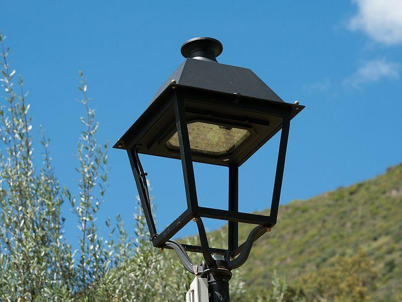 Cambio de luminarias en Miou, Piantón y Vegadeo para conseguir mayor luminosidad y eficiencia energética