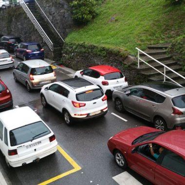 """Tino Ron (Más Luarca Valdés): encontrar solución a la falta de aparcamientos en Luarca es """"una necesidad cívica"""""""