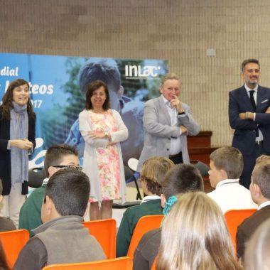 La consejera de Desarrollo Rural destaca la conveniencia de consumir leche producida y envasada en Asturias