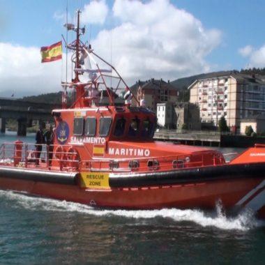 """El Ministro de Fomento presenta en Navia la embarcación """"Salvamar Fomalhaut"""""""