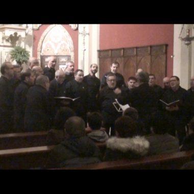 El Coro Villa de Navia ofreció su tradicional Concierto de Navidad