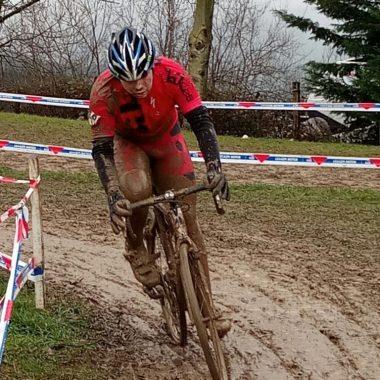 Adrián Rodríguez se estrenó como junior en el Nacional de Ciclocross