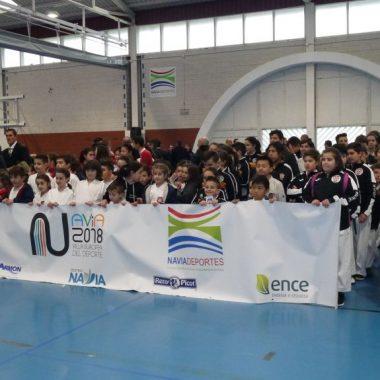 14 clasificados de los Clubes de Navia y Luarca para la Final Regional de Kárate de los Juegos Deportivos