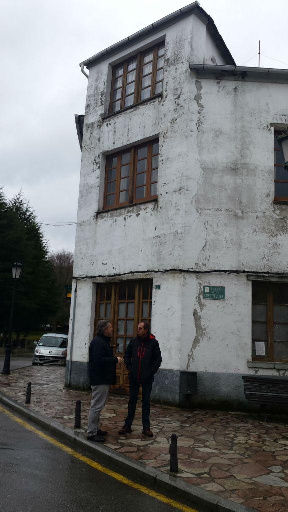 Las obras de regeneración urbana de Grandas de Salime permitirán reparar 13 viviendas de particulares con una inversión de 187.250 euros