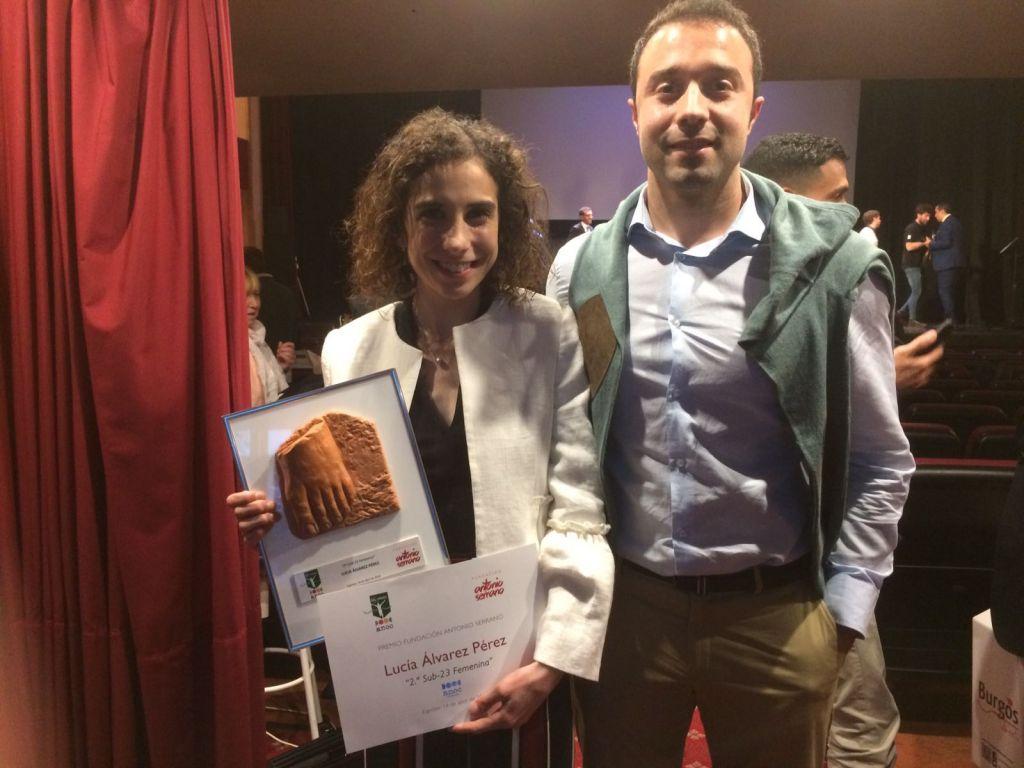 La atleta Lucía Álvarez, galardonada en la Gala de la Asociación Nacional de Organizadores de Cross
