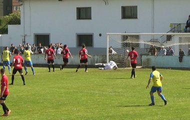 Derrota de la UD Castros en la ida del Play-Off de Ascenso a Primera Regional.
