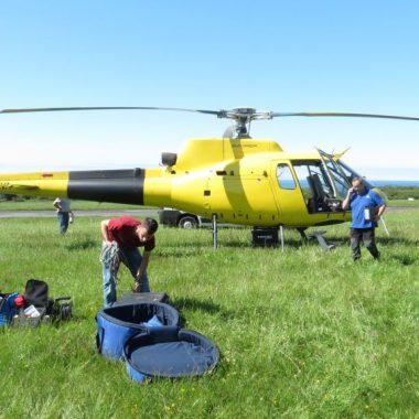 El PP de Ribadeo critica el gasto de 9.000 € en la contratación del helicóptero que ha sobrevolado el municipio para comprobar el cumplimiento de la Ley de Incendios