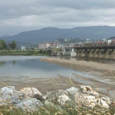 Ha quedado abierto al paso de viandantes, el paseo marítimo y la pasarela sobre La Poza de Navia