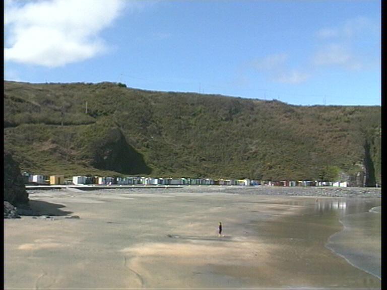 Bando del ayuntamiento de Valdés sobre el uso de sus playas