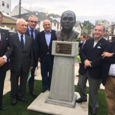 """Francisco Rodríguez, """"doblemente gratificado"""" por dar su nombre a una nueva plaza de Navia """"cuando aún puedo verlo con mis propios ojos"""""""