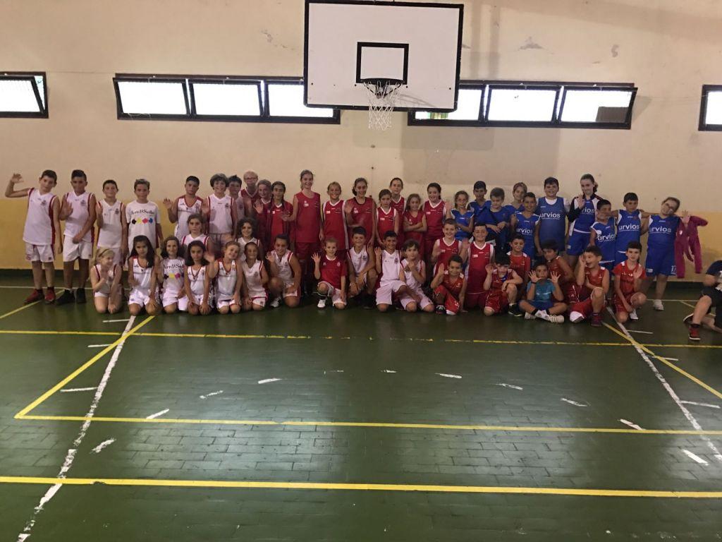 Trevías acogió el III Torneo de Minibasket San Miguel