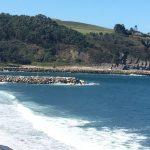 El Instituto Oceanográfico de Cantabria estudiará el proyecto para rehacer el espigón de la ría de Navia