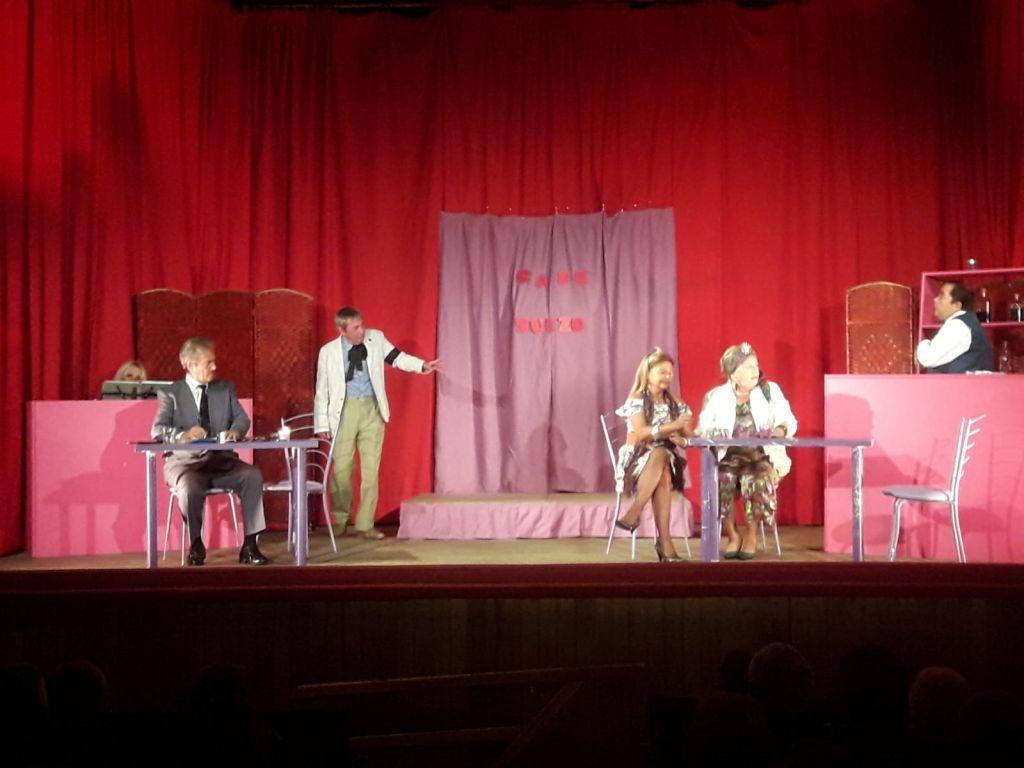 Continúa el VI Certamen de Teatro David de Miguel en Puerto de Vega