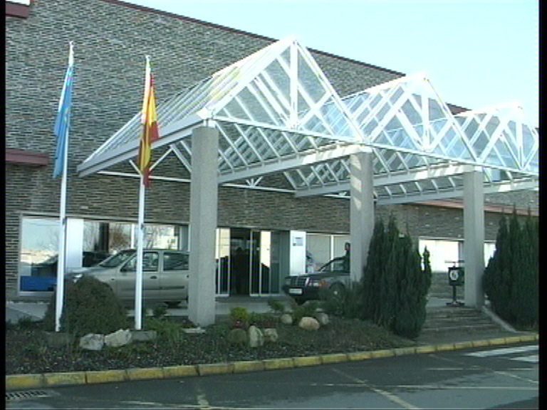 El diputado del PP, Carlos Suárez, considera que la gerencia del Área Sanitaria I está al servicio de la consejería de Sanidad, no de los usuarios