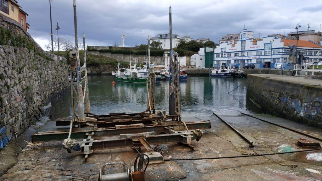 300.000 euros para renovar el carro de varada del puerto de Puerto de Vega