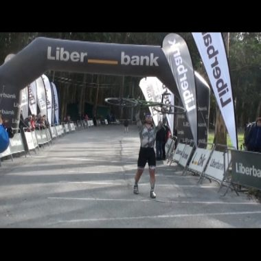 Mario Junquera y Sara Cueto, Campeones de Asturias de Ciclocross en la Playa de Navia