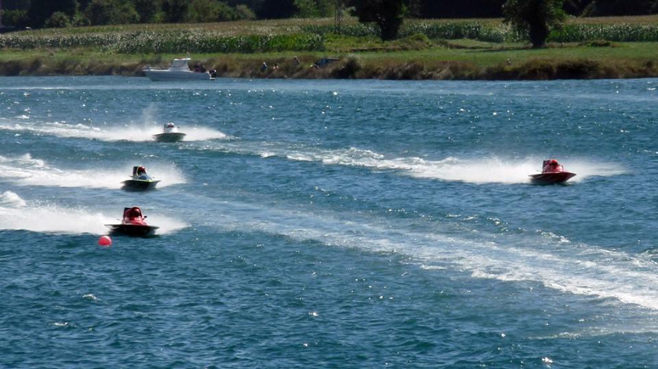 Navia acoge en agosto Dos Copas del Mundo de Motonáutica en las categorías T-850 y HR-850
