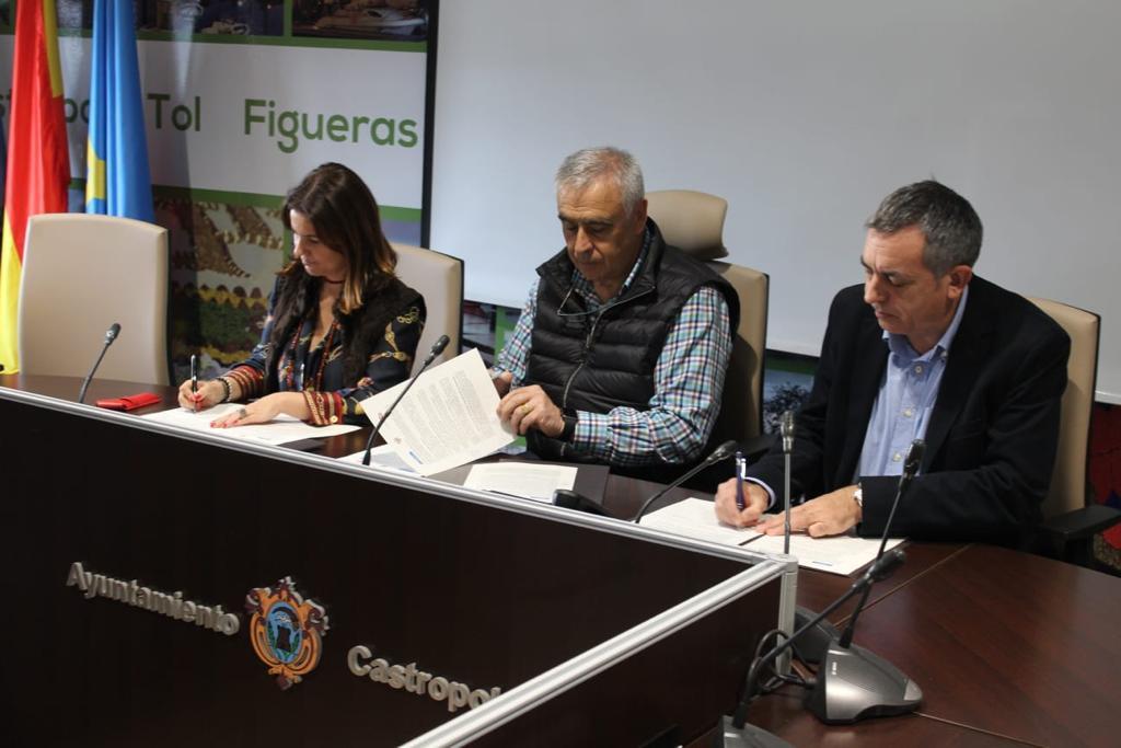 Castropol eliminará arbolado alóctono en las riberas de la Ría, de Figueras a Vegadeo