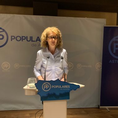 Ana Isabel Fernández, nueva presidenta del PP de Navia