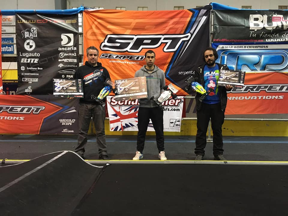 El castropolense Pablo Fdez, vencedor de la VI Bumpers Indoor Race de Coches Radio Control