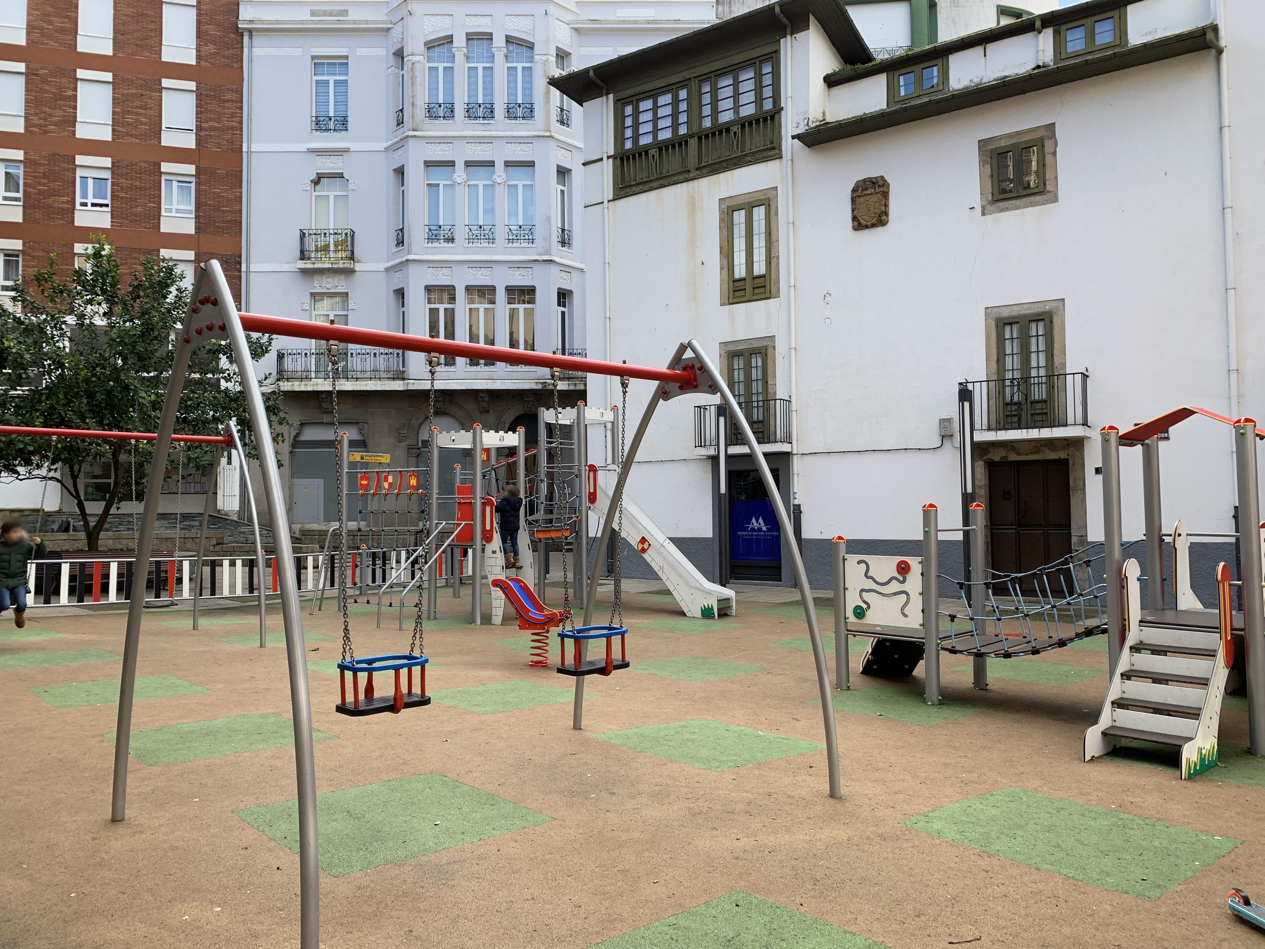 110.000 euros para renovar los parques infantiles del concejo de Valdés