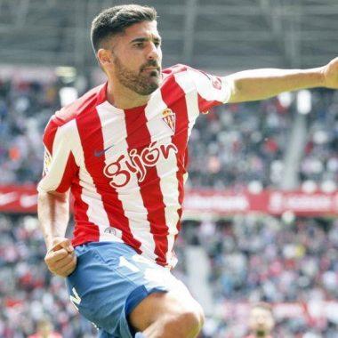 El jugador del Sporting Carmona, recibirá el próximo martes el Trofeo Vegadeo Puerta de Asturias
