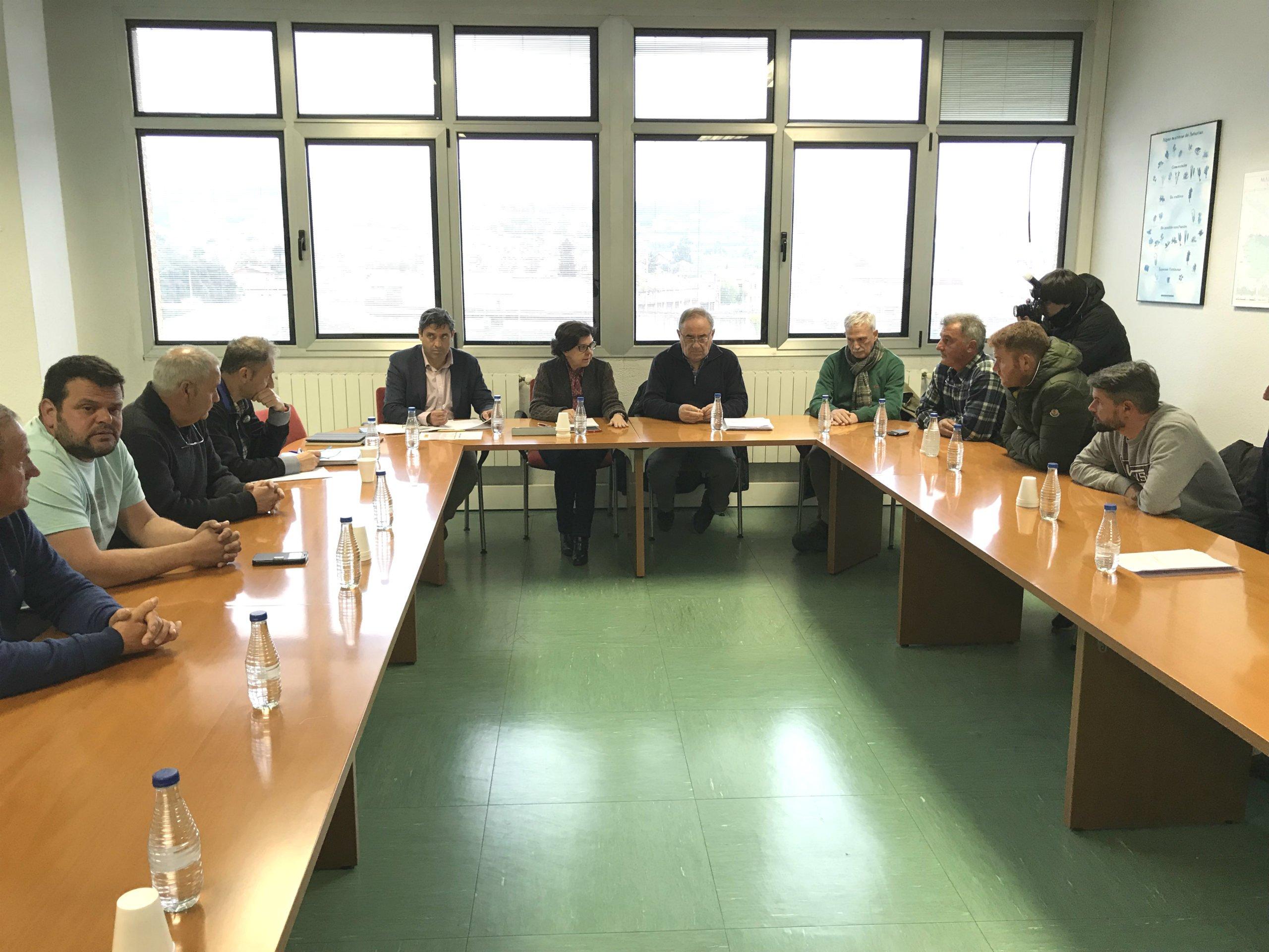"""La consejera de Desarrollo Rural ha pedido a los Patrones Mayores de las Cofradías """"que reconsideren su dimisión, para seguir teniendo interlocución en el sector"""""""