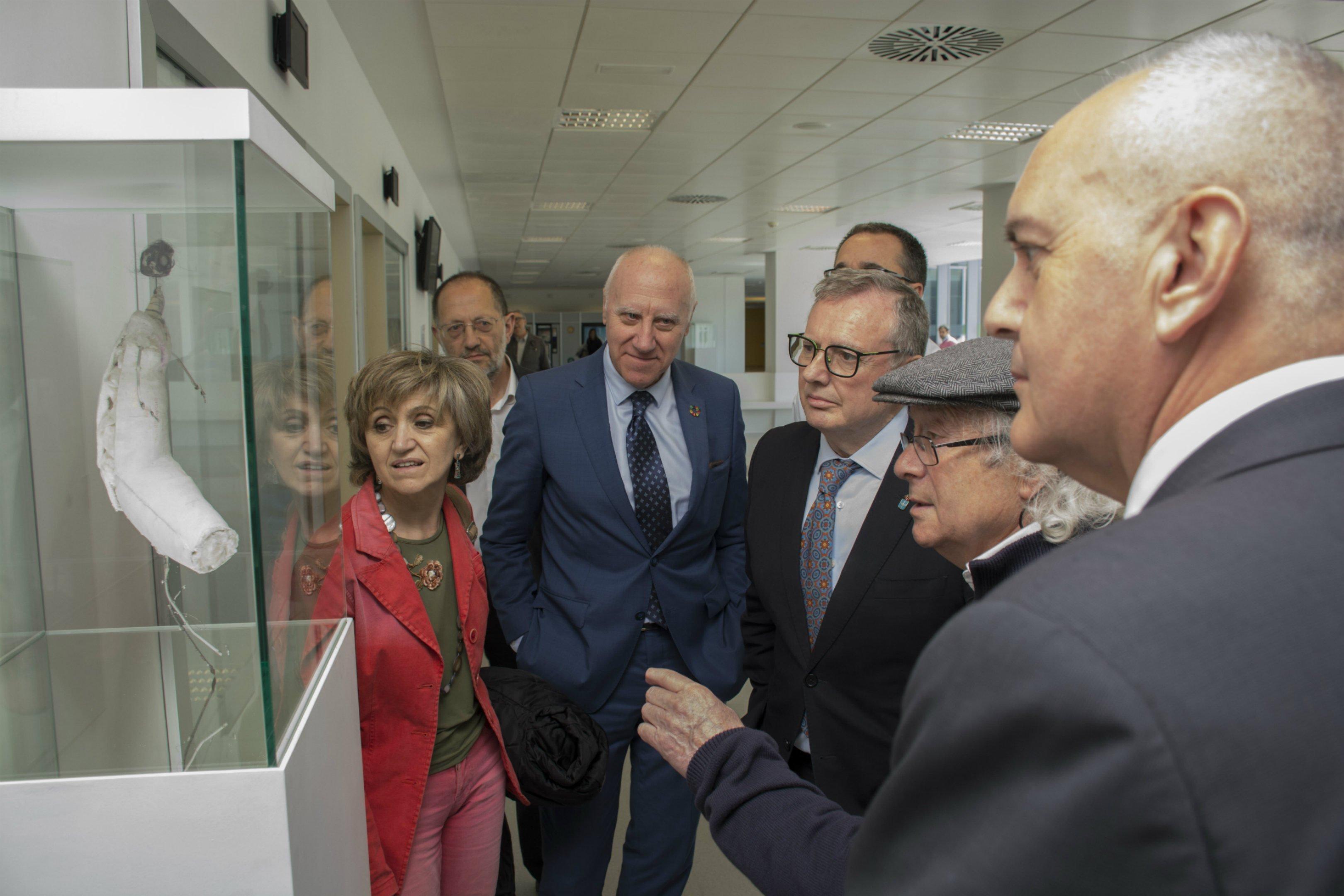 Herminio Álvarez inaugura exposición en el HUCA, que abre sus puertas a las artes plásticas