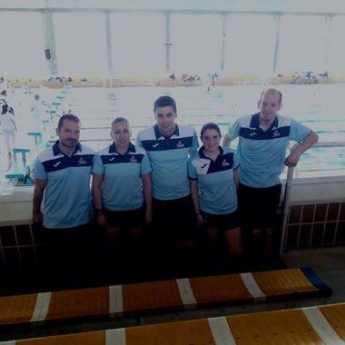 Cinco nadadores máster del Club Villa de Navia participaron en el Festival de Fondo celebrado en Gijón