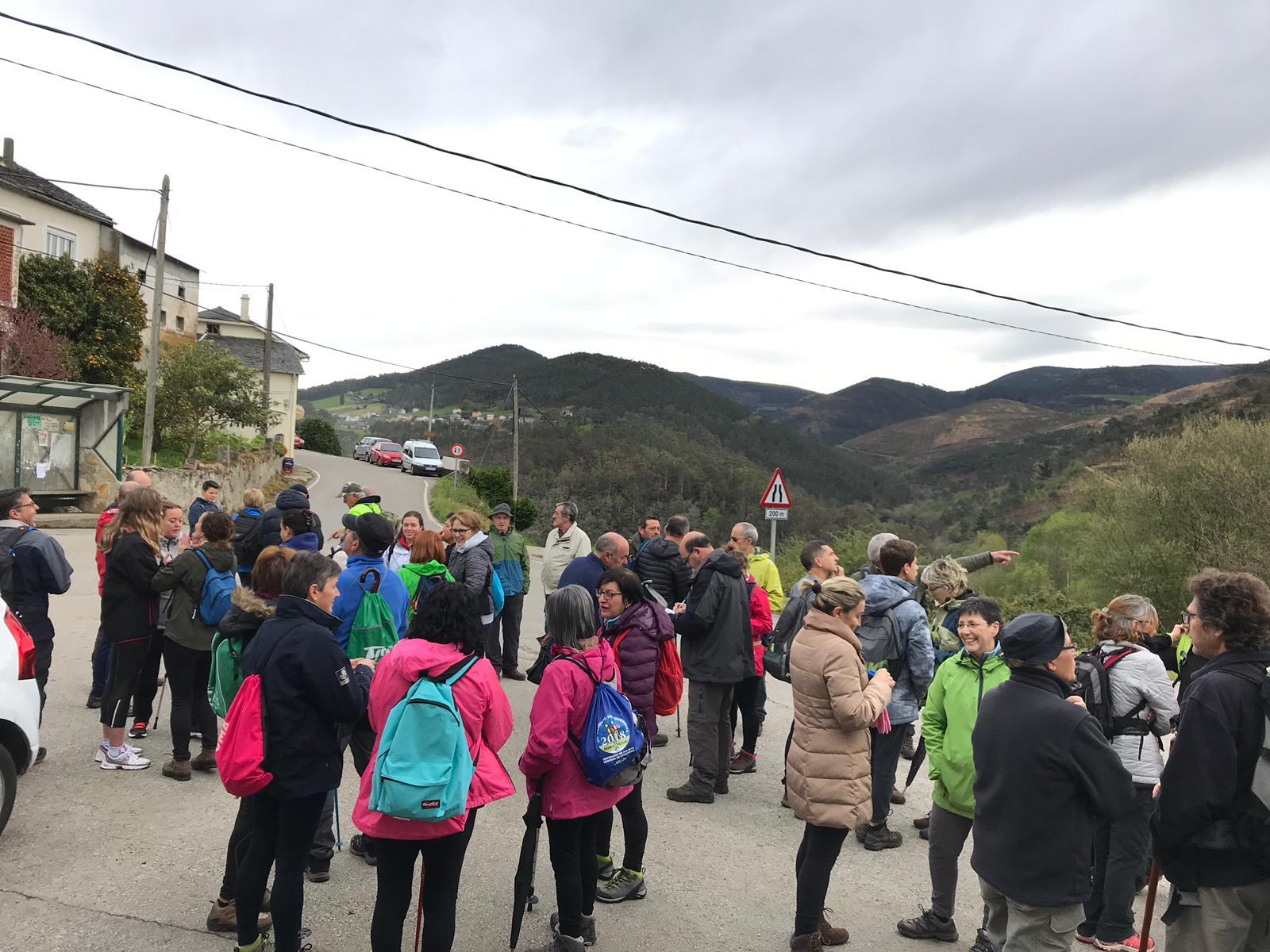 El Ayuntamiento de Valdés celebró el Día Internacional del Deporte con la Ruta del Tamburiello