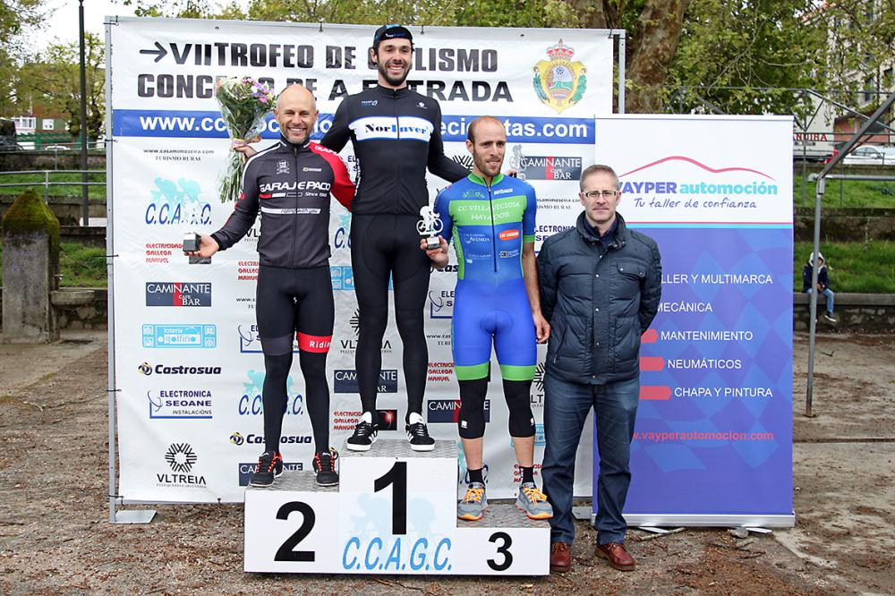 Mesneiro, 2º en máster 30, en el VII Trofeo de Ciclismo Concello de A Estrada