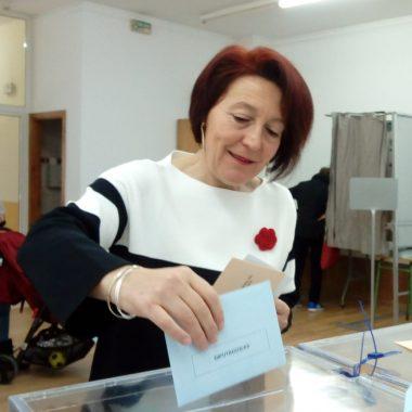Cecilia Pérez (Psoe El Franco) cree prioritario mejorar el acceso a Novales y finalizar el saneamiento