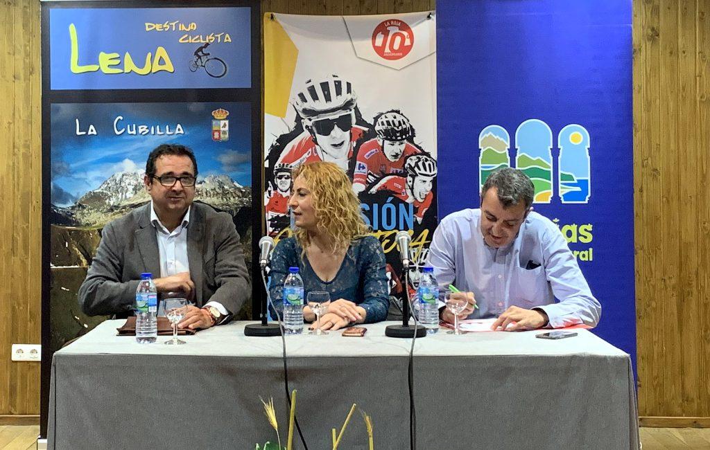 Presentación de la 16ª Etapa de la Vuelta Ciclista a España con salida en Pravia y meta en el Alto de la Cubilla (Lena)