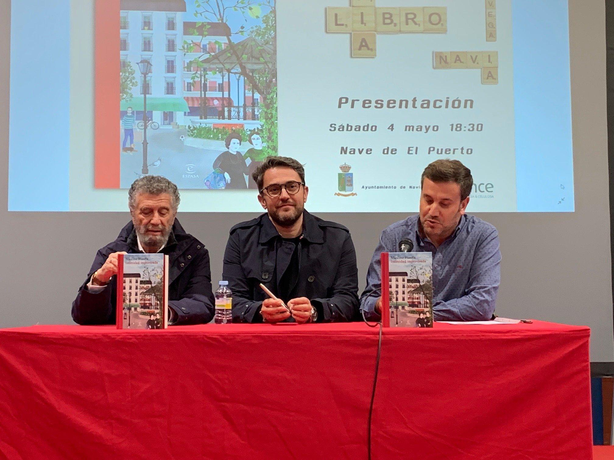 """Máximo Huerta (escritor): """"donde hay un lector, hay una nueva historia"""""""