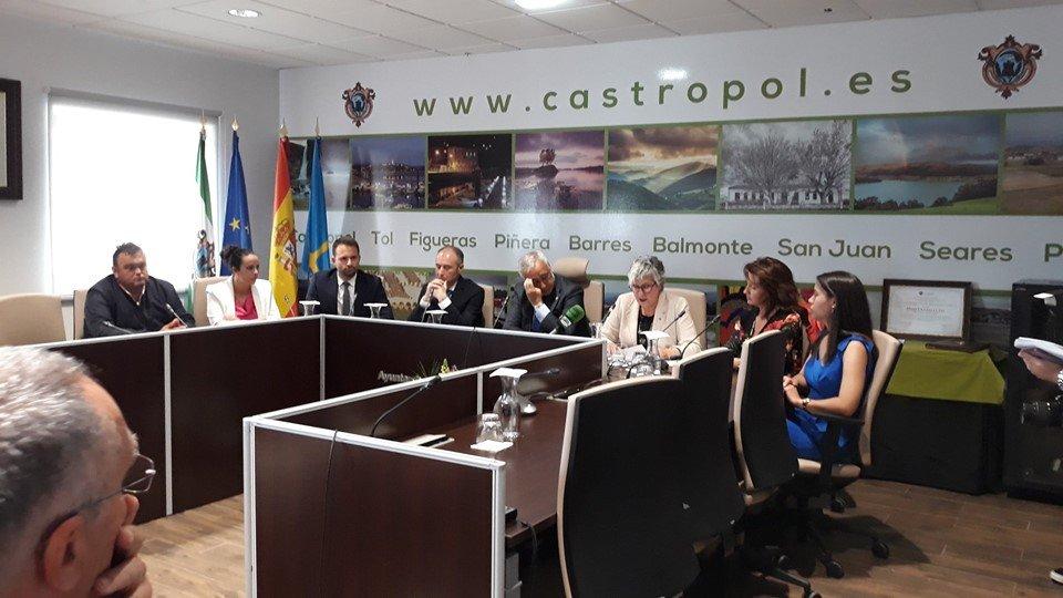 """Castropol """"salda una deuda pendiente con Luis Felipe Fernández"""" (al nombrarlo Hijo Predilecto)"""