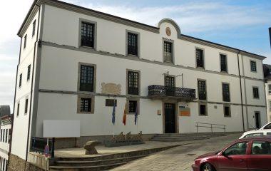 El ayuntamiento de Castropol dedicará el remanente de Tesorería a mejorar vías de comunicación del concejo