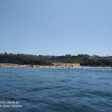 La temporada estival comienza con buena afluencia a las playas de Tapia