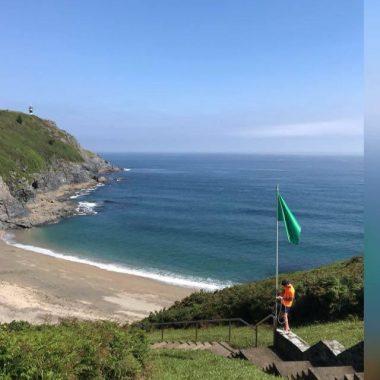 """Lucas García (Coordinador Salvamento Playas Coaña): En Torbas """"analizamos la roca y si detectamos puntos complicados, recomendamos zonas seguras"""""""