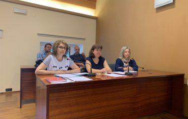 El PP denuncia que el ayuntamiento de Navia abonará 185.000 euros/año por las cinco liberaciones de otros tantos concejales/as del equipo de gobierno