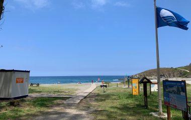 """Marga Suárez (concejala Turismo Navia): """"estos galardones (Bandera Azul y Sendero Azul) conllevan una serie de responsabilidades"""""""