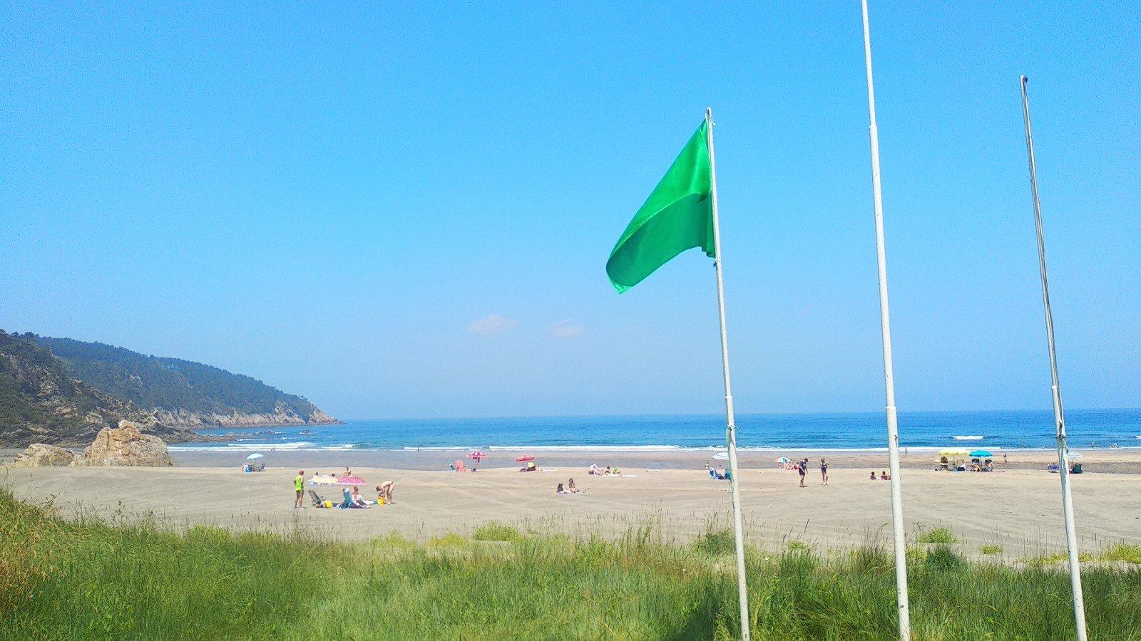 Los ayuntamientos, favorables a clausurar este verano, las duchas y lavapiés a pie de playa