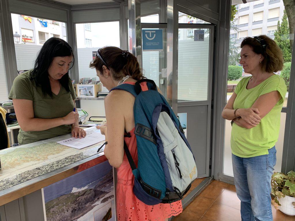 Las rutas para hacer con niños, entre las preferidas por los usuarios de la Oficina de Turismo de Navia