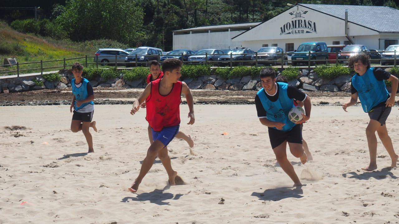 El Beone organizó un Torneo de Rugby Playa en la Quincena Deportiva de Tapia