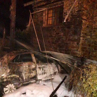 Extinguido un incendio urbano en San Tirso de Abres