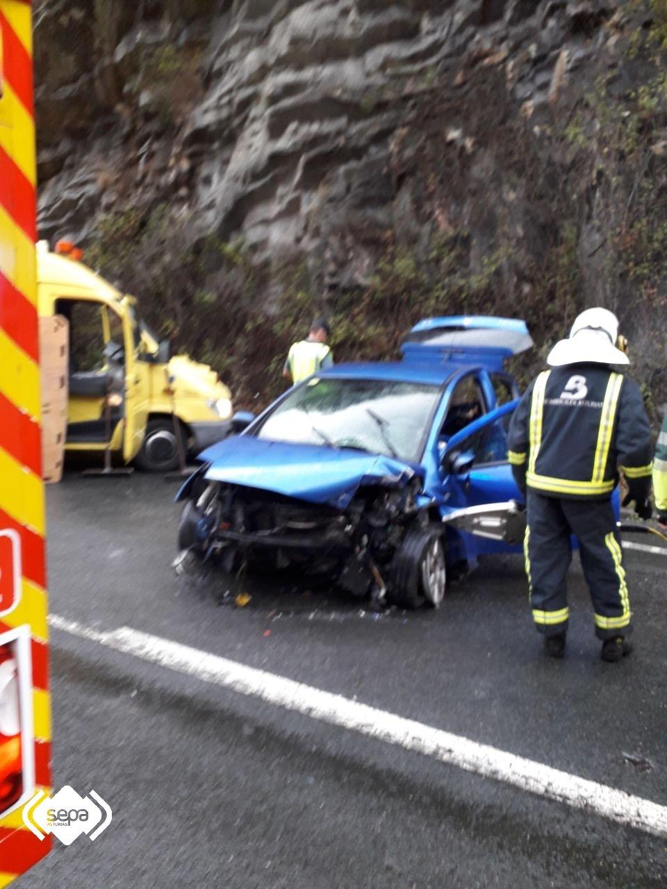 Herida una joven de 20 años en un accidente de Tráfico en Tineo