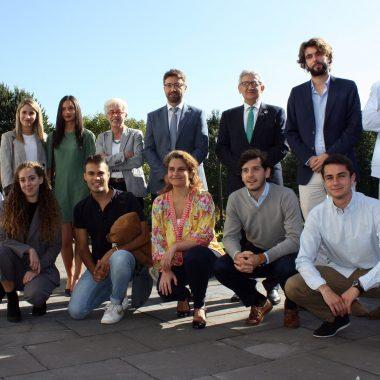 El Principado financia la formación práctica de 10 jóvenes expertos en comercio exterior en empresas asturianas con sedes en 7 países