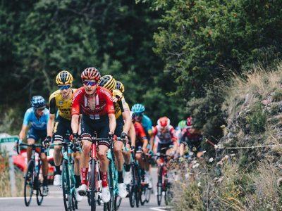 El Bopa de este lunes hace públicas las medidas especiales de Regulación del Tráfico adoptadas con motivo de la llegada de la Vuelta Ciclista a España 2020 al Principado de Asturias